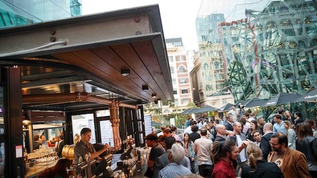 Beer DeLuxe Fed Square - Beer Garden Deck Bar