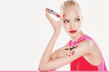 Discover Dior addict fluid stick, the lip revolution!