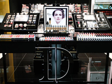 It's All Luxury at Dior's Perfume & Beauty Boutique