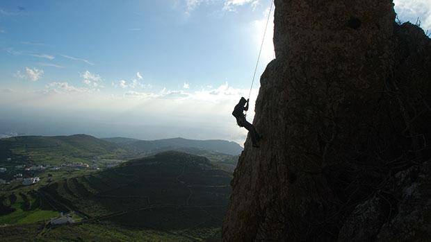 Greece-Tinos-Guide-Nissos-Daily-Addict-11