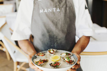 Discover the wonderful world of oysters at Manta
