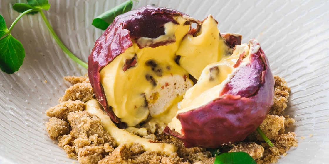 passion-fruit-picked-from-the-vine-passion-fruit-ice-cream-salted-vanilla-marshmallow-centre_image-credit-alana-dimou