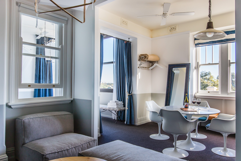 Hotel Palisade Room