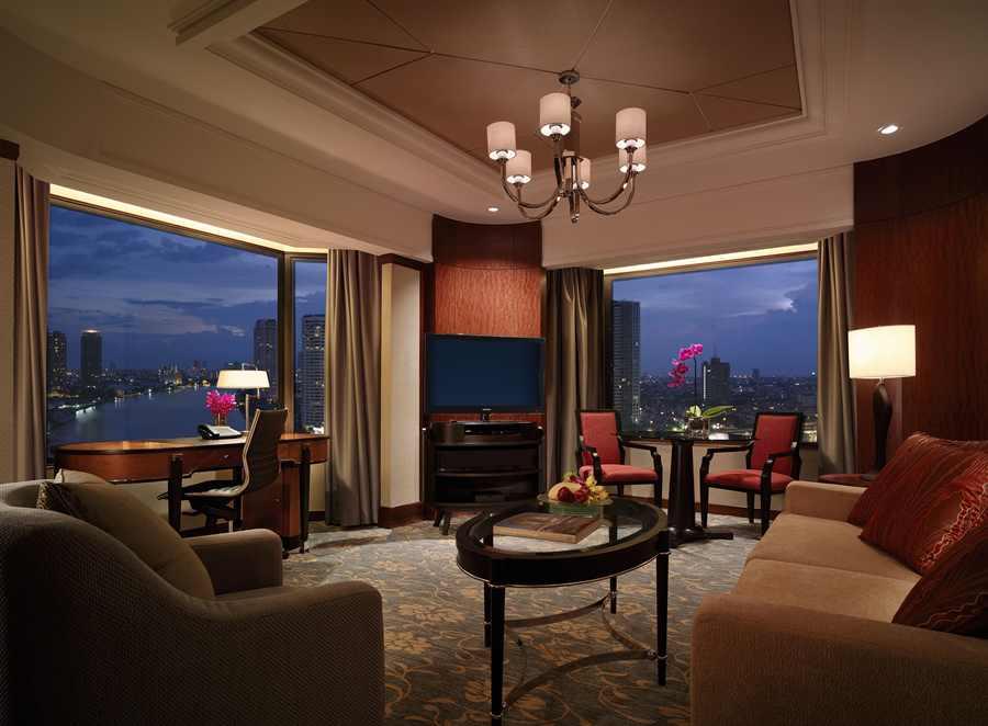 Shangri-la hotel Executive Room lounge