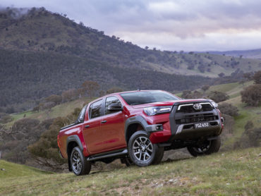 Tech Addict Car Reveiw: Going Rogue with Toyota Hilux